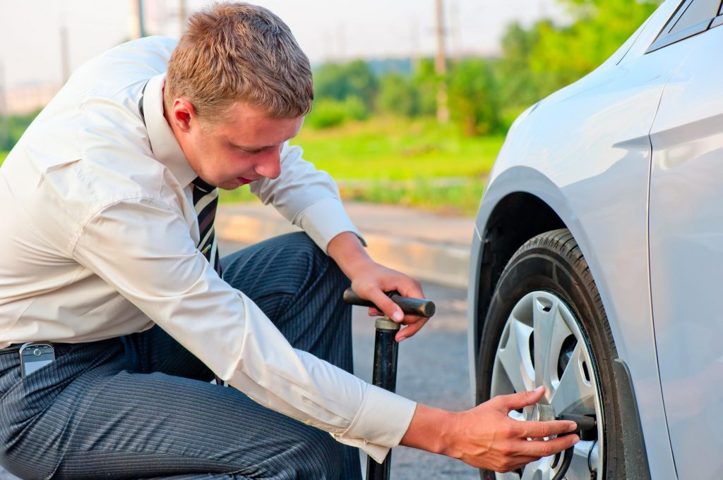 Salem Oregon Towing, Vehicle Transport, and Roadside Assistance - Flat Tire Repair on the Freeway 2